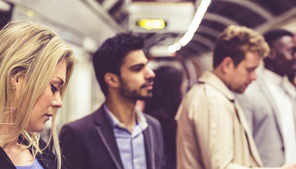 Å prate med en fremmed kan faktisk gjøre deg lykkelig