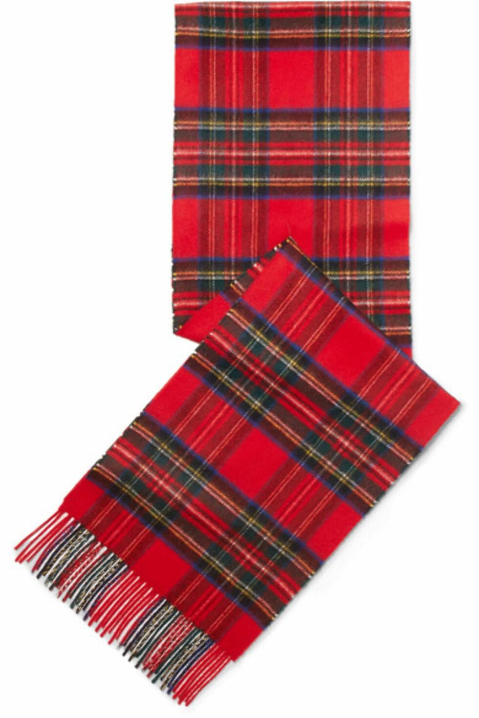 Skjerf fra Johnstons of Elgin |1035,-|https://www.net-a-porter.com/no/en/product/1029267/johnstons_of_elgin/fringed-tartan-cashmere-scarf