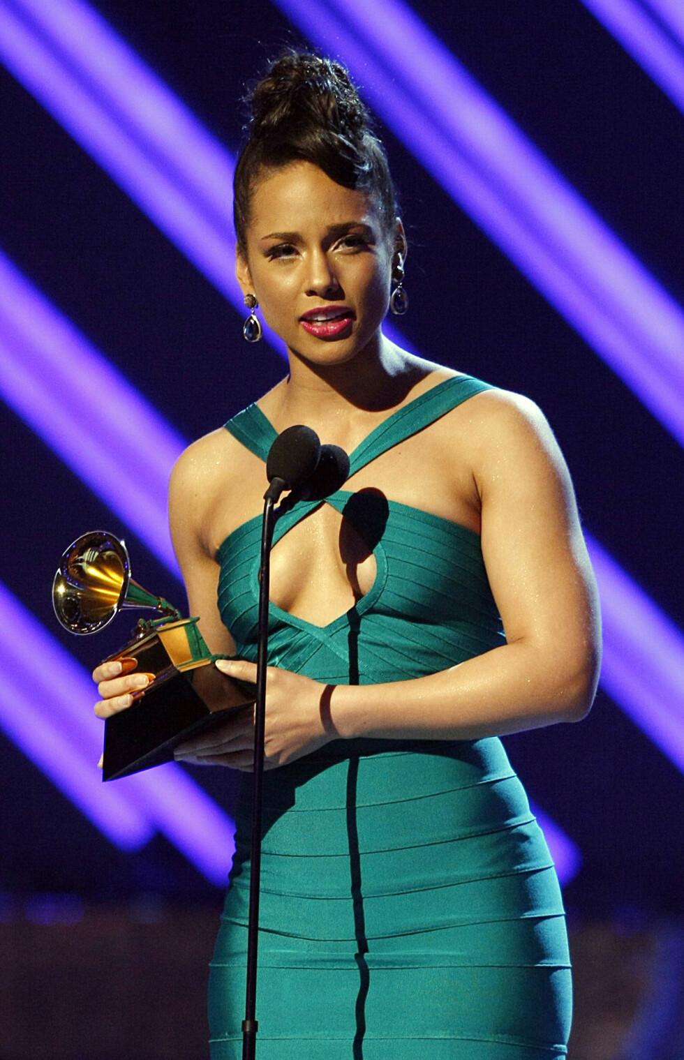 VANT PRIS: Alicia Keyes vant i kategorien Best Female R&B Vocal Performance for låten No One. Foto: NTB Scanpix