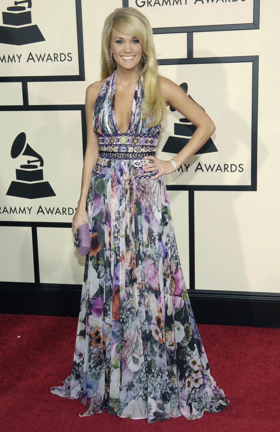 VANT PRIS: Country-artisten Carrie Underwood vant i kategorien Best Female Country Vocal Performance for låten Before He Cheats. Foto: NTB Scanpix