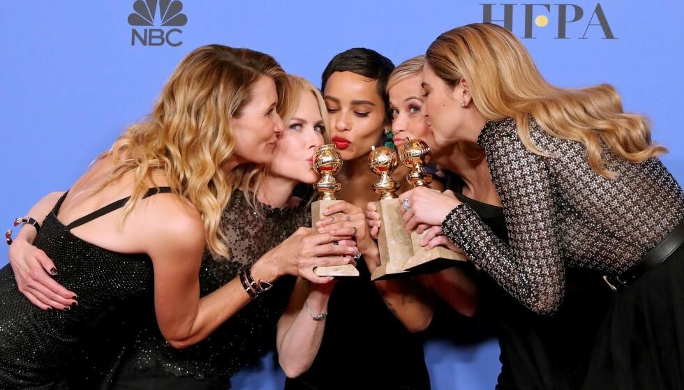 «BIG LITTLE LIES»: Vi håper virkelig ikke vi må vente lenge på sesong to av Big Little Lies! Stjernene på Golden Globes, med priser for beste TV-serie. Fra venstre: Laura Dern (50), Nicole Kidman (50), Zoë Kravitz (29), Reese Witherspoon (41) og Shailene Woodley (26). FOTO: NTB Scanpix