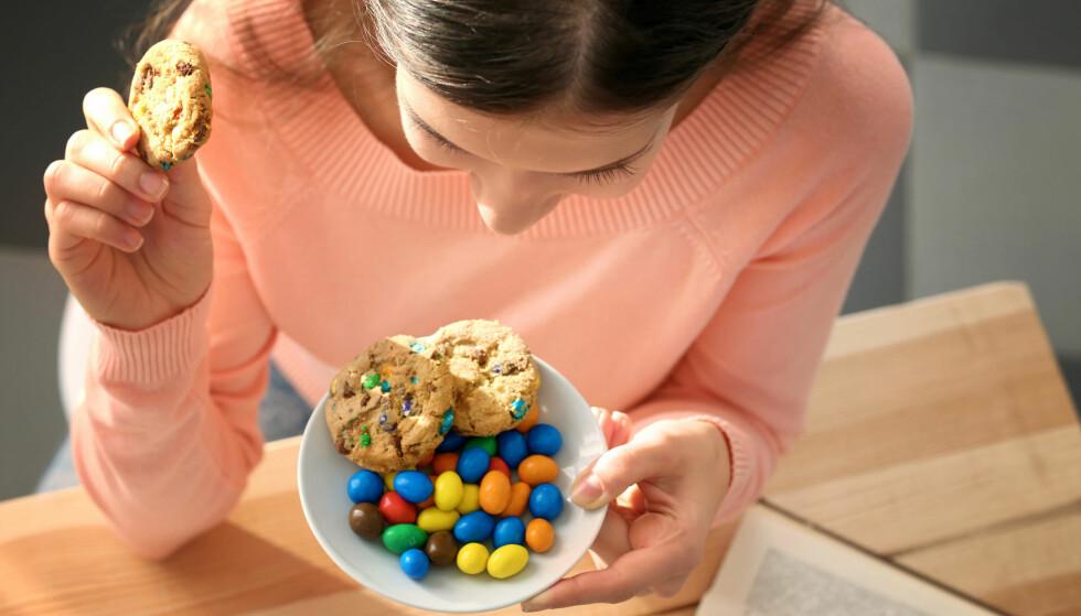 STRESSPISING? Er du ikke helt til stedet når du spiser er det fort at metthetsfølelsen først kommer etterpå. FOTO: NTB Scanpix