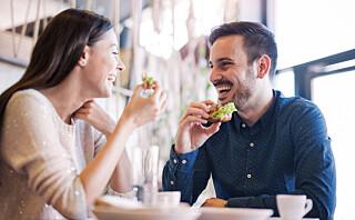 Styr unna disse kroppsspråk-feilene når du er på date