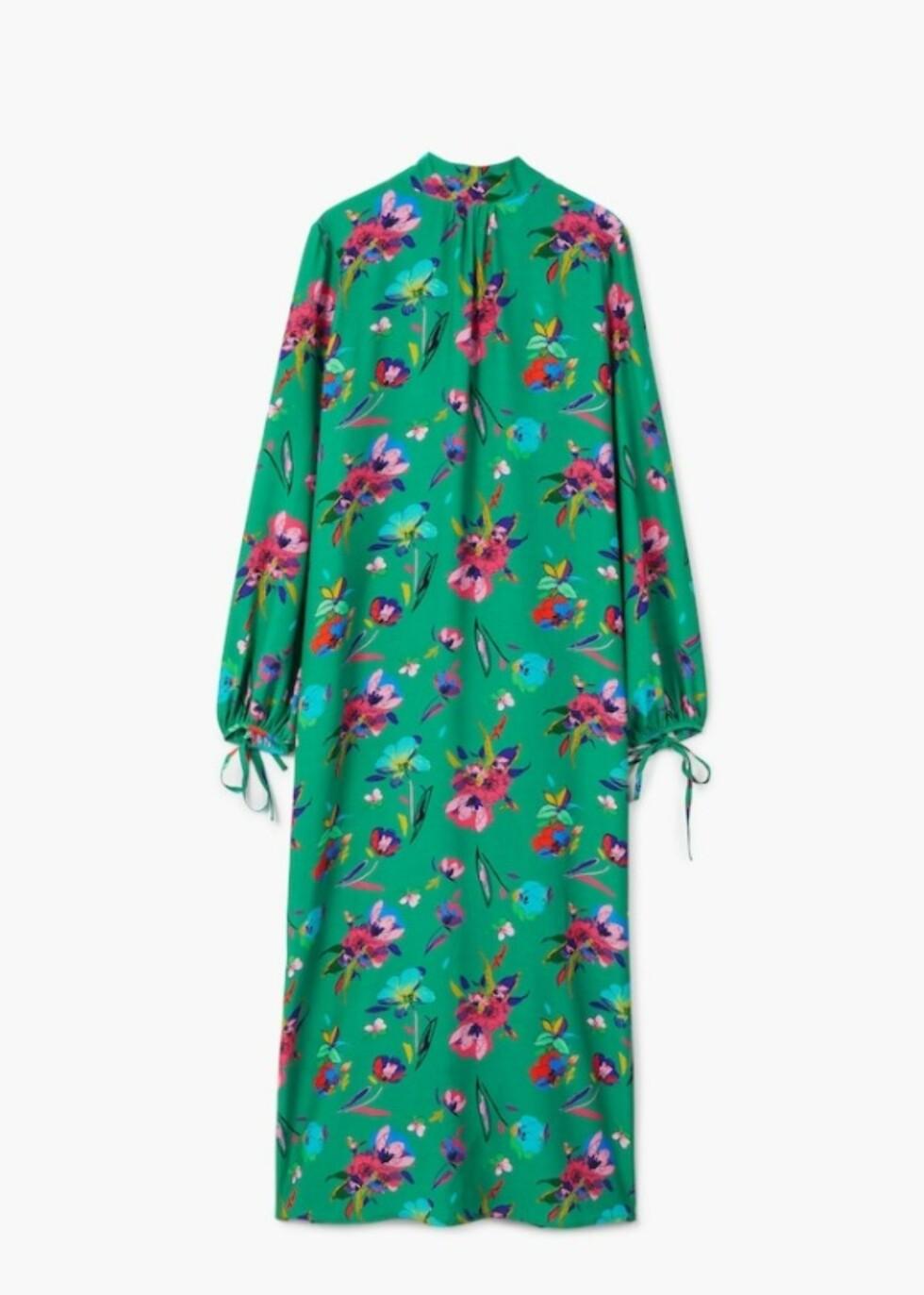 Kjole fra Mango |499,-| https://shop.mango.com/no/damer/kjoler-lang/blomstrete-kjole-med-sl%C3%B8yfe_23060828.html?c=43&n=1&s=nuevo&ts=1518172306849