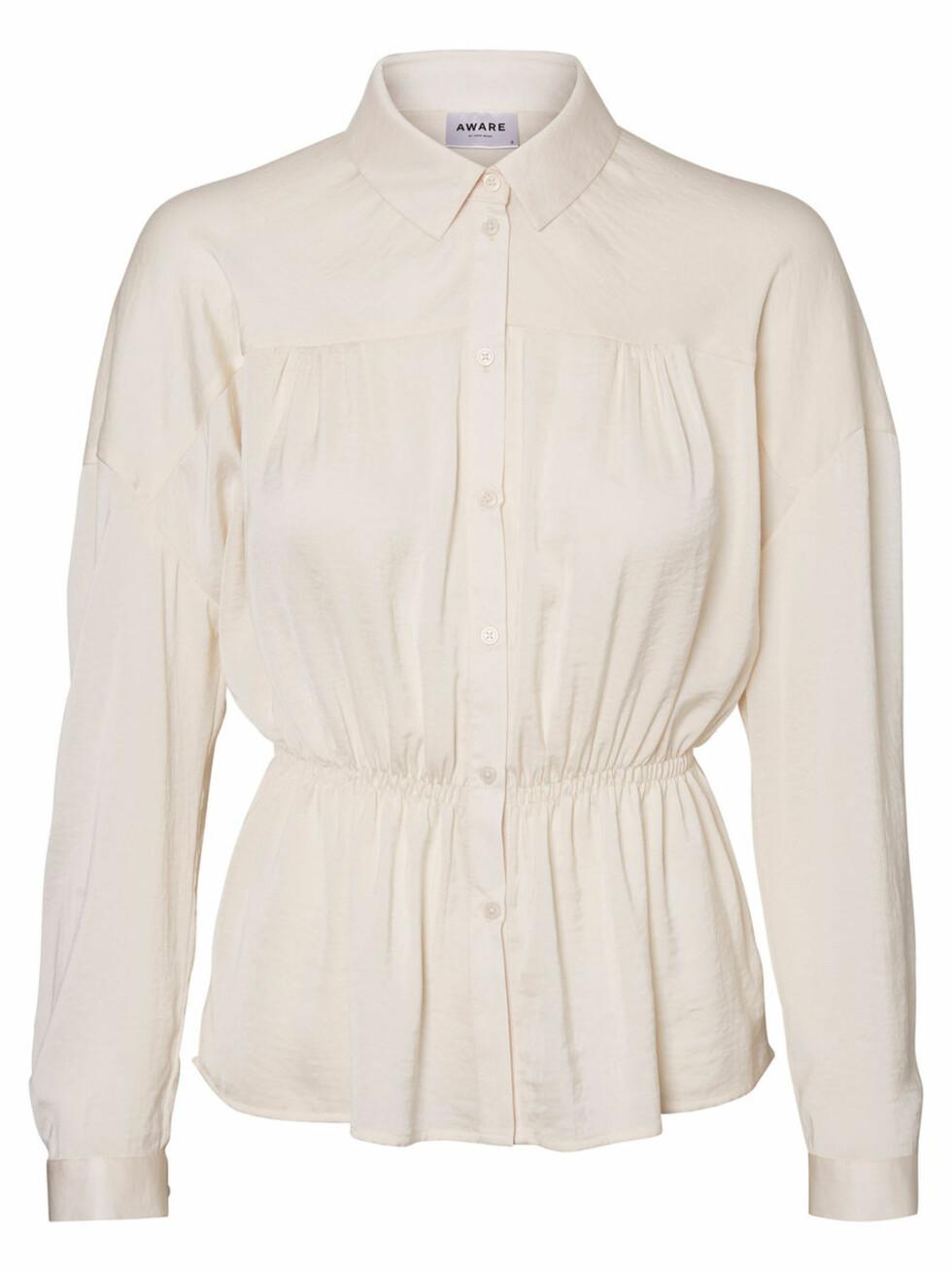 Skjorte fra Vero Moda |350,-| https://www.veromoda.com/no/no/vm/kjoep-etter-kategori/skjorter/aware-skjorte-10194629.html?cgid=vm-shirts&dwvar_colorPattern=10194629_Eggnog