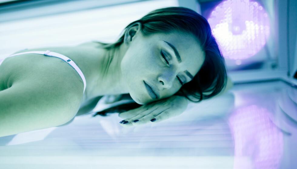 SOLSTUDIO: Altfor mange unge tar solarium, noe som kan øke risikoen for hudkreft. FOTO: NTB Scanpix