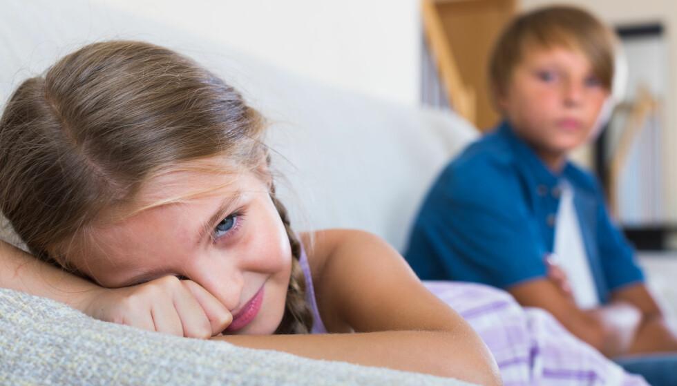 SØSKENKRANGLING: Som regel er søskenkrangling helt uskyldig og til og med sunt, men når barn blir mobbet av søsken kan det ha store konsekvenser. FOTO: NTB Scanpix