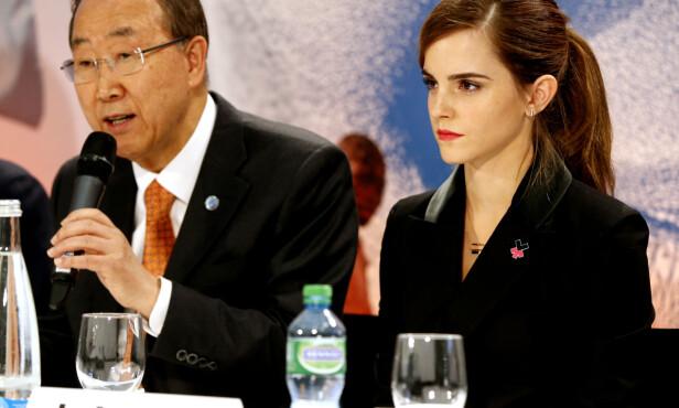LIKESTILLING: Her er Emma Watson sammen med FNs generalsekretær Ban Ki-moon under møtet i Millennium Development Goals Advocacy Group i Davos i Sveits. FOTO: NTB Scanpix