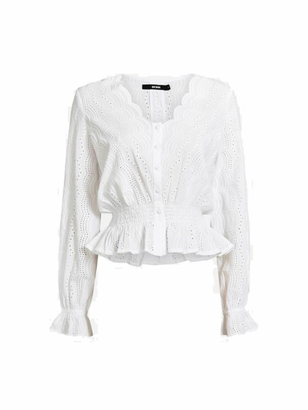 Topp fra Bik Bok  299,-  https://bikbok.com/no/p/overdeler/bluser/isabella-blouse/7216437_F900