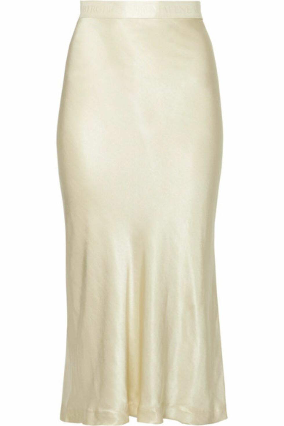 Skjørt fra By Malene Birger  2860,-  https://www.net-a-porter.com/no/en/product/991829/by_malene_birger/kimberley-satin-midi-skirt