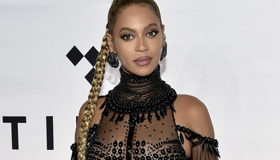 KVINNERS RETTIGHETER: Beyonce under en veldedighetskonsert i New York. FOTO: NTB Scanpix