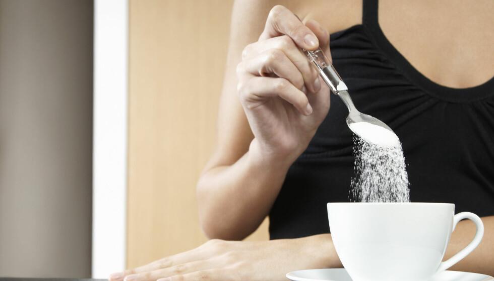 <strong>SUKKER:</strong> Sukker er en bidragsyter til overvekt, derfor er det lurt å kutte endel av dette. FOTO: NTB scanpix