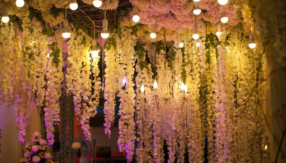 Vær kreativ med blomsterpynten - hva med å henge de som girlander i stedet? Foto: NTB Scanpix