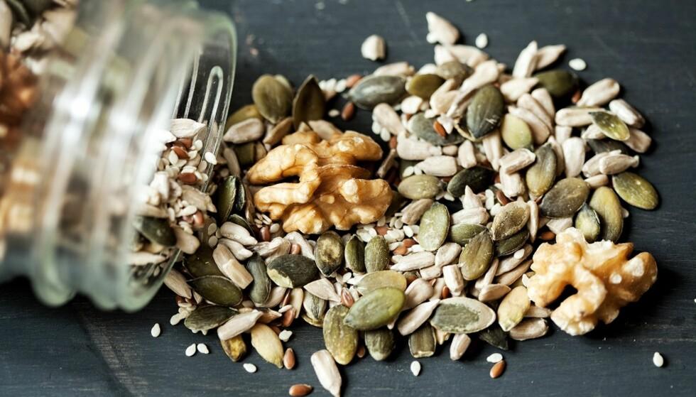 SUNT FETT: Nøtter og frø er gode kilder til sunt, umettet fett. FOTO: NTB Scanpix