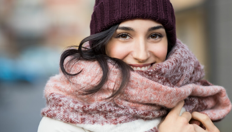 ULLUNDERTØY: Å fryse er ikke gøy, men hvordan kler man seg egentlig varmest mulig på vinteren? Vi har svaret! FOTO: NTB Scanpix
