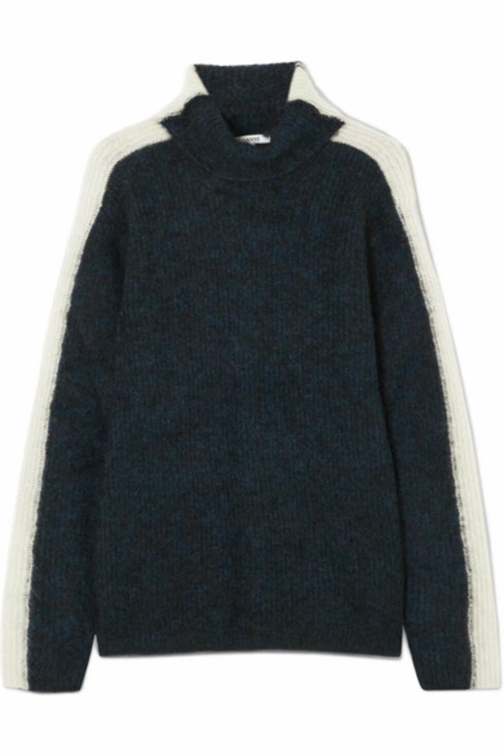 Genser fra Ganni  2290,-  https://www.net-a-porter.com/no/en/product/984610/ganni/evangelista-striped-knitted-turtleneck-sweater