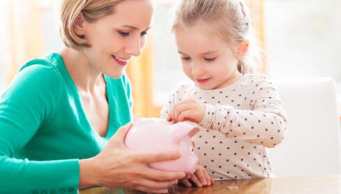START TIDLIG: Det er lurt å lære barna om sparing og pengebruk allerede fra tidlig alder. FOTO: NTB Scanpix