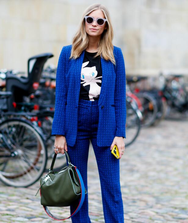 <strong>OPPDATER T-SKJORTEN:</strong> En kul t-skjorte passer like fint til en iøynefallende dress som denne, som en enklere variant i sort eller grått. Foto: Scanpix
