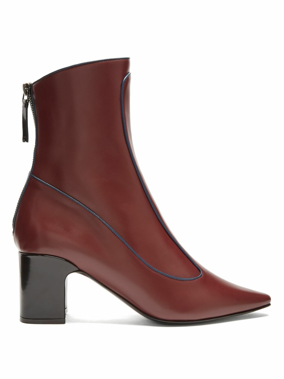 Fabrizio Viti via Matchesfashion |4100,-| https://www.matchesfashion.com/intl/products/Fabrizio-Viti-Winter-Timeless-leather-ankle-boots-1169850