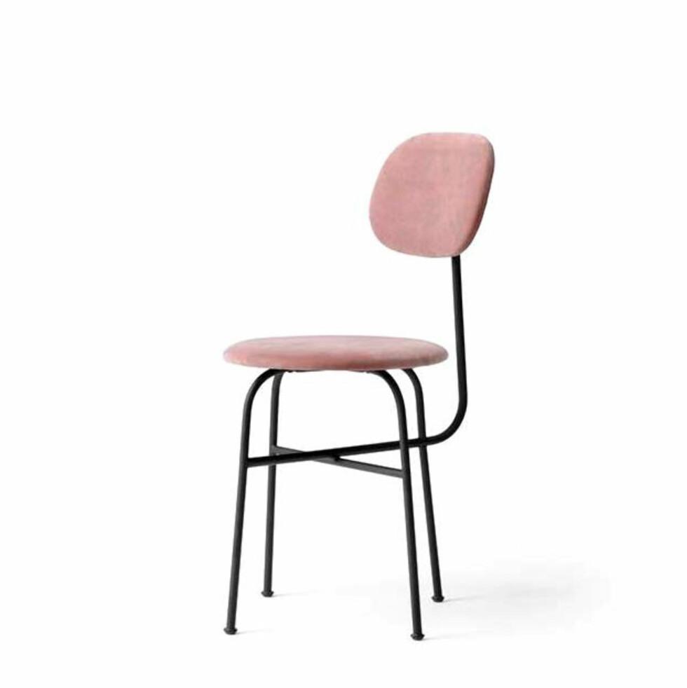 Stol fra Menu |4499,-| https://www.eskeinterior.no/produkt/afteroom-stol-plus-pink-velvet/
