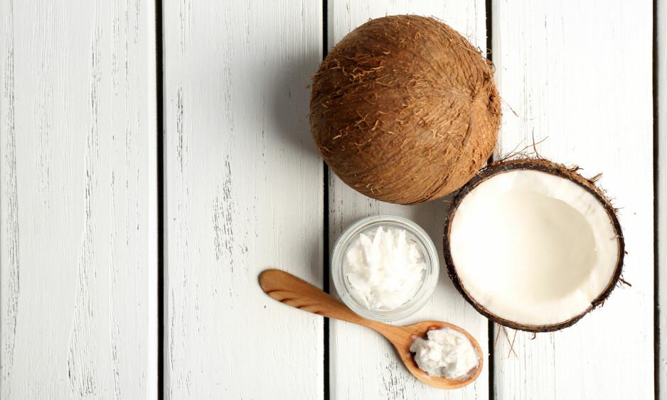 KOKOSOLJE: Visste du at én krukke med kokosolje kan erstatte flere av skjønnhetsproduktene du bruker til daglig? FOTO: NTB Scanpix