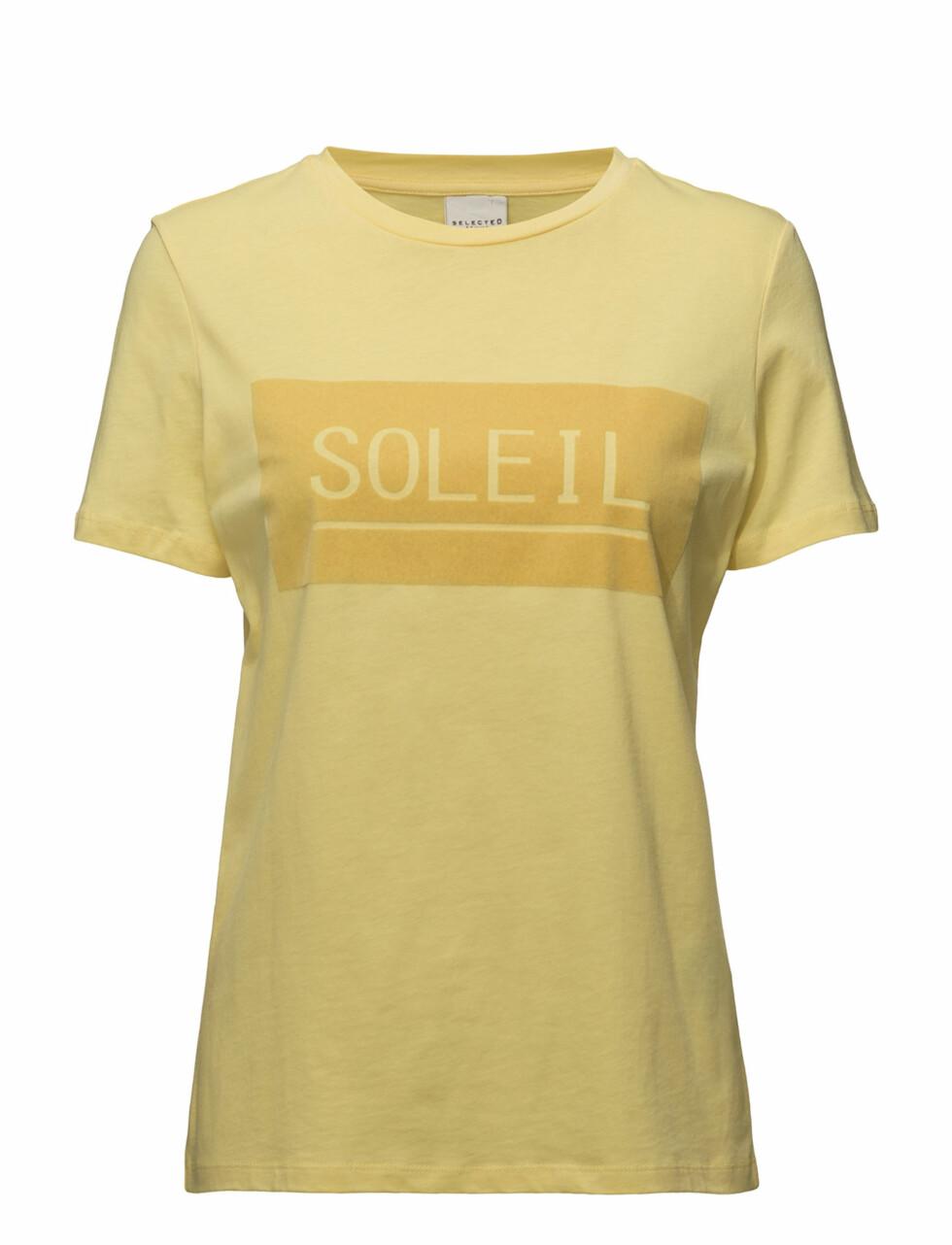 T-skjorte fra Selected Femme  299,-  https://www.boozt.com/se/sv/selected-femme/sfsoleil-ss-tee-ka_16727443/16727445?navId=67378&group=listing&position=1000000