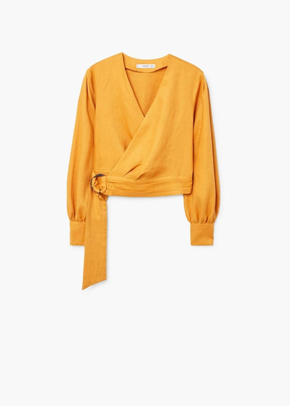 Topp fra Mango  499,-  https://shop.mango.com/no/damer/skjorter-bluser/kittel---_21018814.html?c=15&n=1&s=search