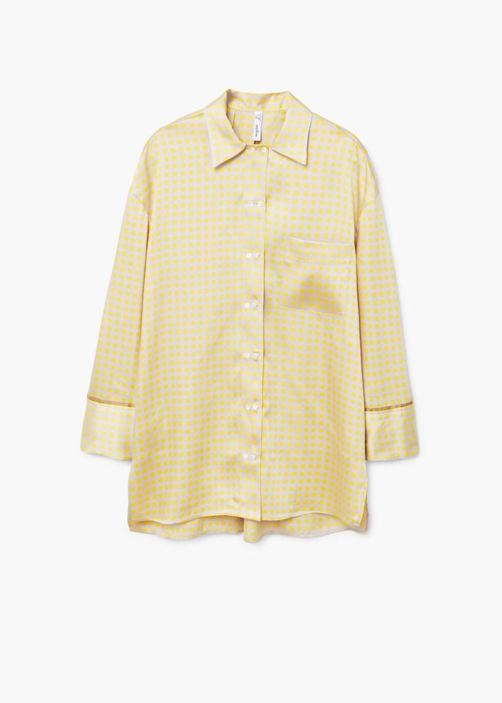 Skjorte fra Mango  699,-  https://shop.mango.com/no/damer/skjorter-skjorter/skjorte-i-pyjamas-stil-med-m%C3%B8nster_21055714.html?c=11&n=1&s=search