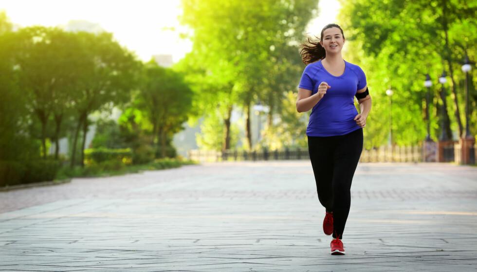 MOTARBEIDES: Trening og sunn kost kan få deg ned i vekt, men mange synes det er vanskelig å forbli der. Det er det mange grunner til. FOTO: NTB Scanpix
