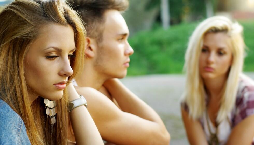 UBEHAGELIG: Venninnen din kan begynne å unngå deg for å ikke få eksens nye kjærlighetsliv slengt i ansiktet. Foto: Scanpix.