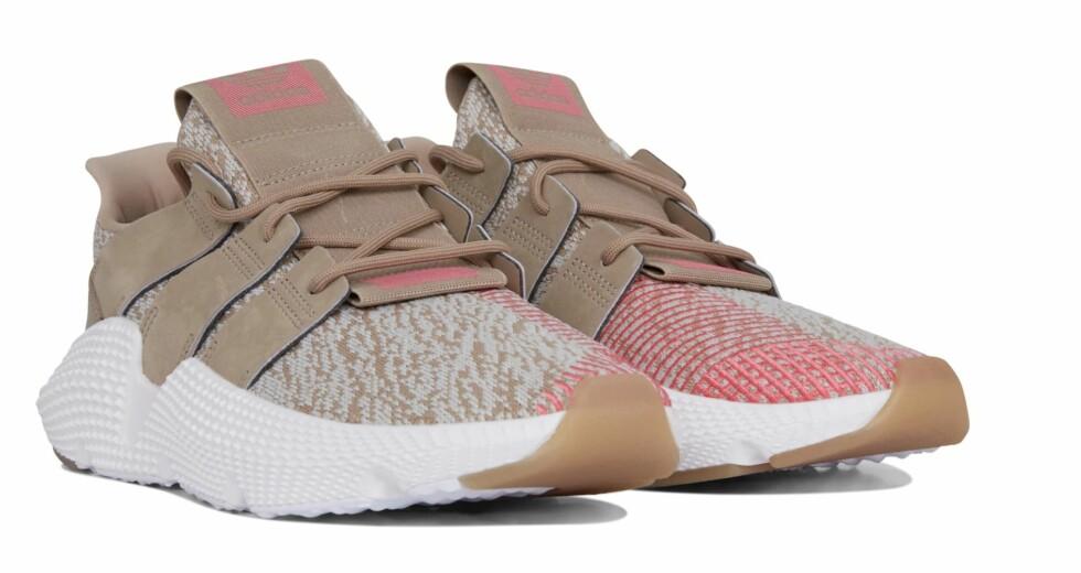 Sneakers fra Adidas |1299,-| https://urban.no/no/p/sko/sneakers/prophere/7218857_F837