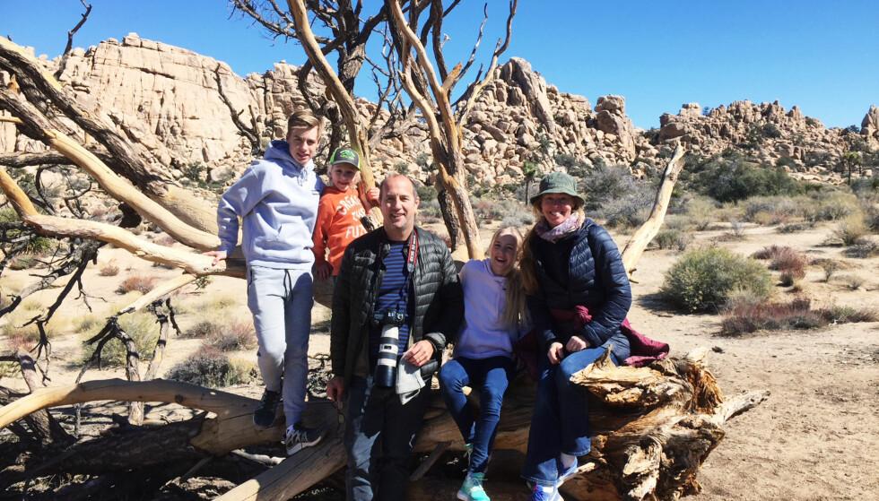 FAMILIEN: Hedvig får mye hjelp av mannen Jean Bourbon og de tre barna Lucas, Charlotte og Leo. Her er familien på tur i Joshua Tree National Park i California. Foto: Privat