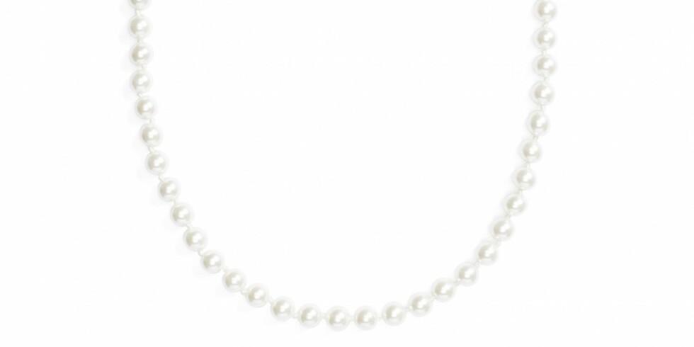 Kjede fra Glitter |100,-| https://www.glitter.no/klassisk-halskjede-med-plastperler-24-cm