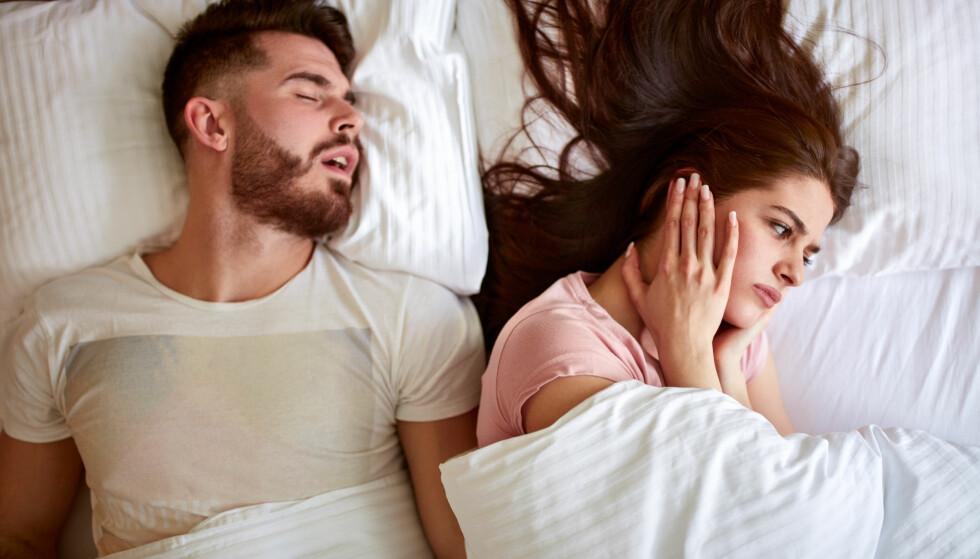PLAGSOMT: Å ikke få sove på grunn av snorking er slitsomt. FOTO: NTB scanpix