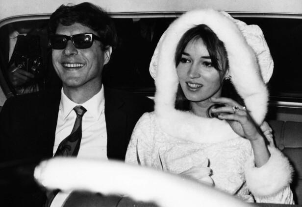 KORTVARIG LYKKE: I desember 1966 giftet John Paul Getty II seg med den nederlandske modellen Talitha Pol. Fem år senere døde hun som følge av en overdose. Dette bildet er tatt fra bryllupsdagen. Foto: NTB Scanpix