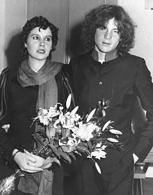 TRAGISK SKJEBNE: John Paul Getty III giftet seg med tyske Gisela Martine Schmidt i 1974 - til bestefarens store fortvilelse. Syv år senere ble han lenket til rullestolen, som følge av en overdose med narkotika. Foto: NTB Scanpix