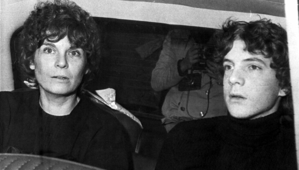 FORTVILET: John Paul Getty IIIs mor Abigail Harris gjorde alt hun kunne for å få tilbake sønnen sin etter at han ble kidnappet i Roma i 1973. I fem måneder satt han i fangenskap. Dette bildet er tatt samme dag som han slapp fri. Foto: NTB Scanpix