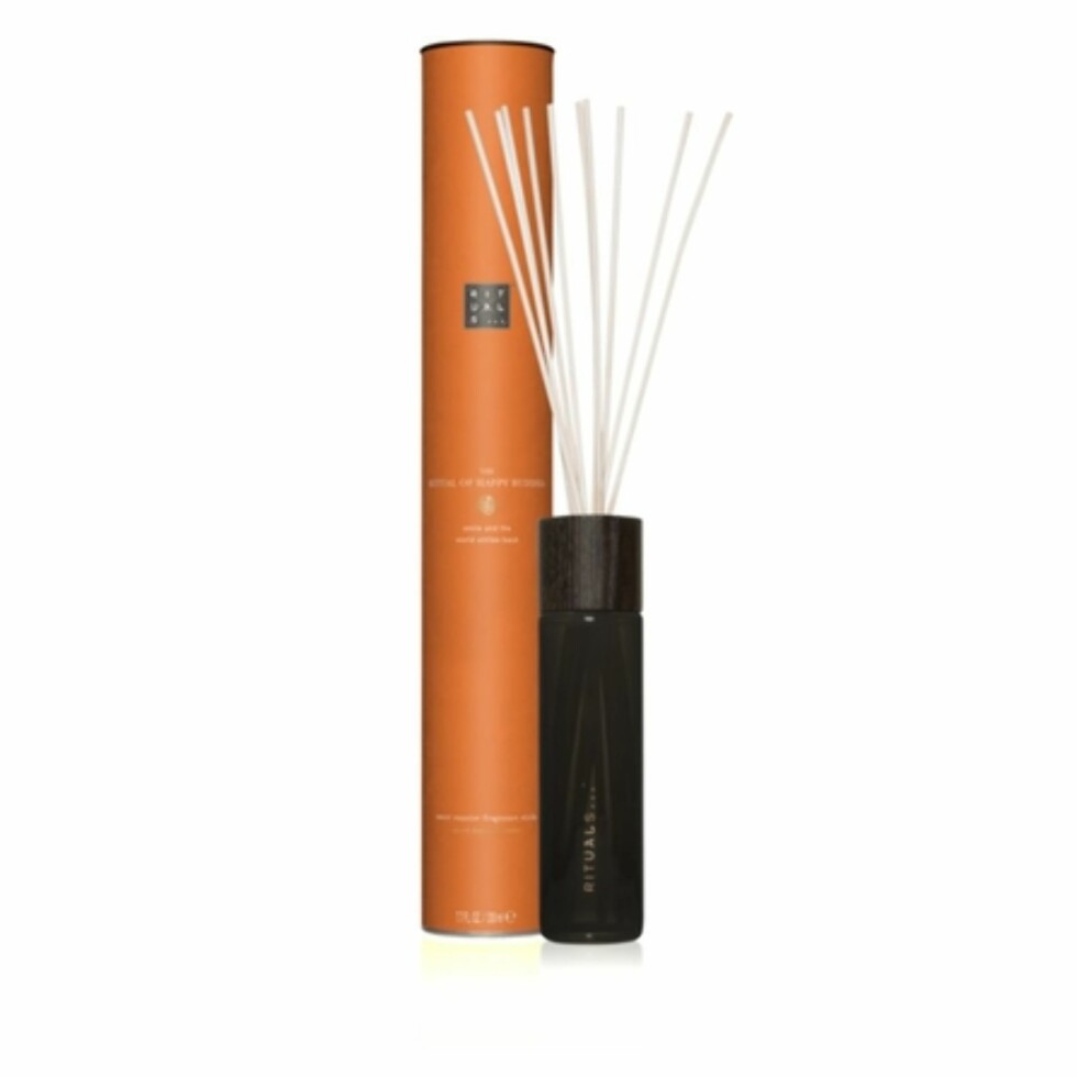 <strong>Duftpinner fra Rituals  245,-  https:</strong>//www.rituals.com/no-no/the-ritual-of-happy-buddha-fragrance-sticks-4611.html