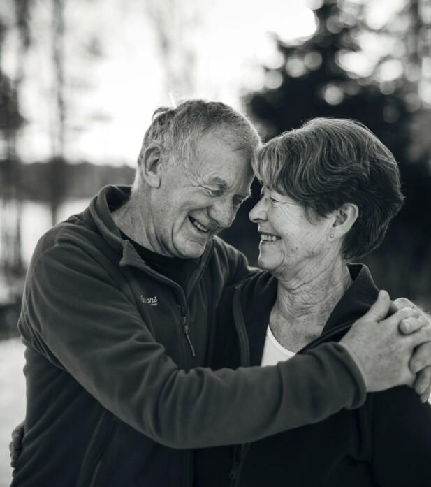 20-ÅRSJUBILEUM: Birger Sandmoe og Borghild Skåre Sandmoe møttes etter at han satte inn en annonse i Fjell og vidde. I år feirer de 20-årsjubileum som par. FOTO: Mona Moe Machava