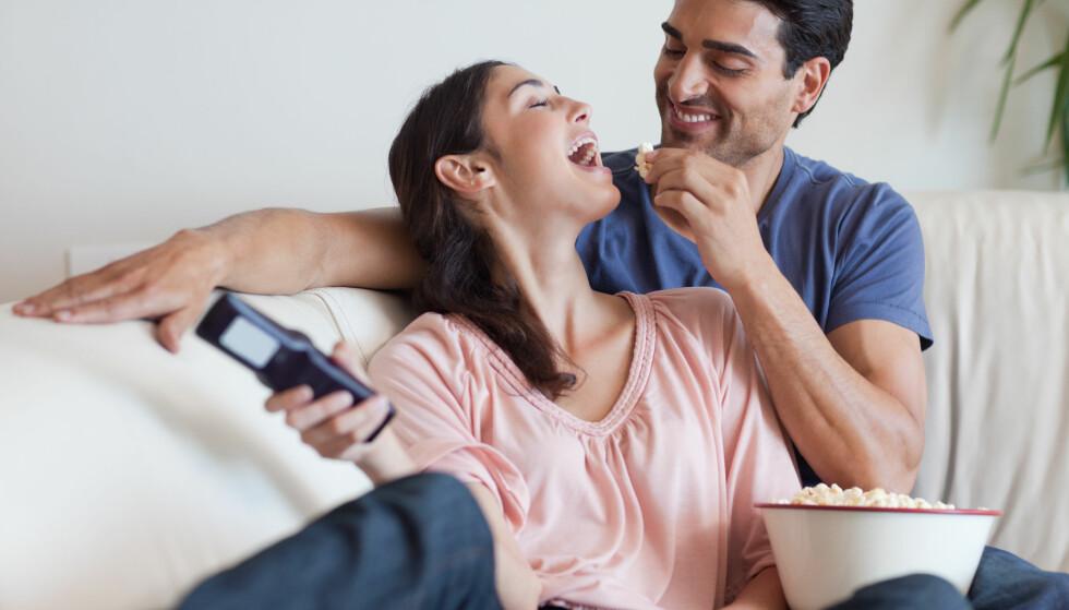 <strong>POPCORN:</strong> Popcorn er et godt alternativ til annen snacks fordi du kan spise mye for kaloriene. Men! Jo mer salt og fett du tilsetter, jo mer usunt blir det. FOTO: NTB Scanpix