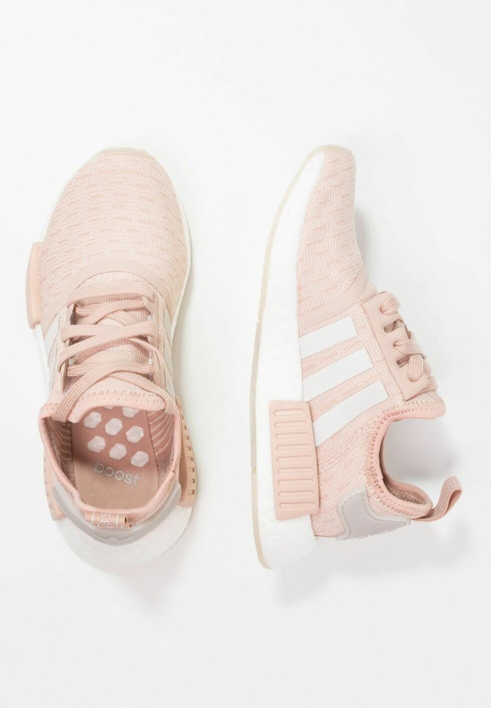 Joggesko fra Adidas via Zalando.no |1155,-| https://www.zalando.no/adidas-originals-nmd_r1-joggesko-ad111a0hg-b11.html