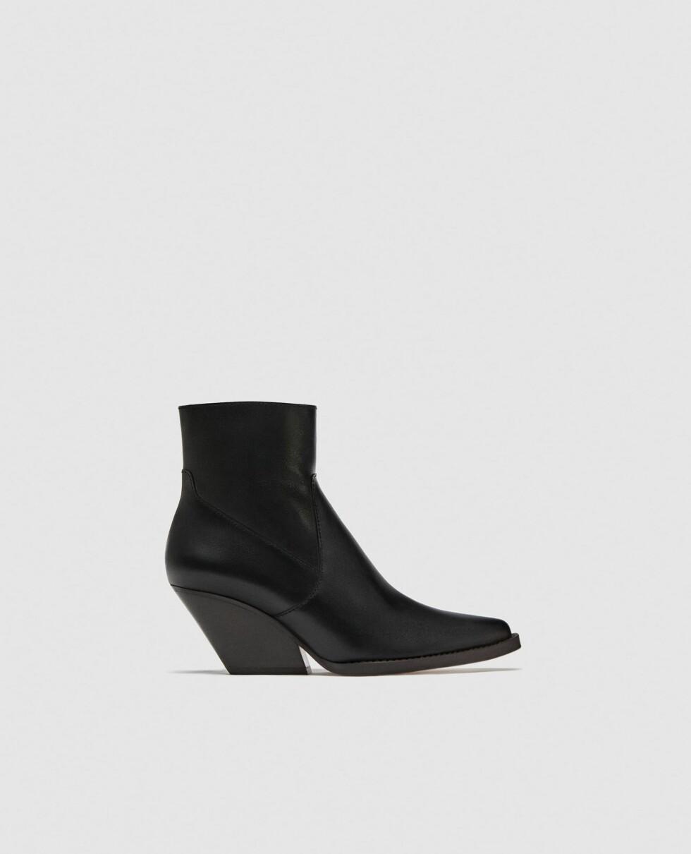 Sko fra Zara |1199,-| https://www.zara.com/no/no/cowboyst%C3%B8vlett-i-skinn-p11123301.html?v1=6101661&v2=893503