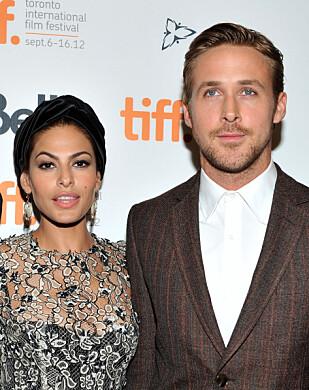 PROFILERT PAR: Til tross for at Eva Mendes og Ryan Gosling er et av Hollywoods hotteste par, har de to vært bevisst på å holde privatlivet unna offentligheten. Her fra Toronto International Film Festival høsten 2012. FOTO: NTB Scanpix