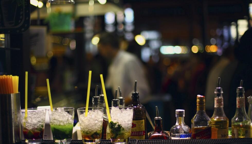 DEILIGE DRINKER: På kveldstid blir San Miguel-markedet et utested der du får deilige drinker.