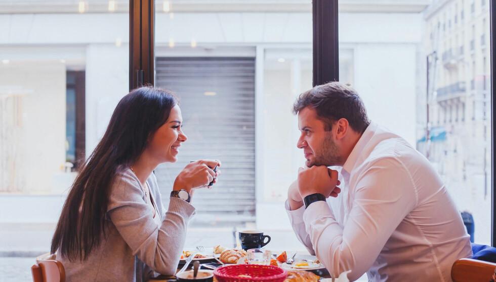 IKKE VENT FOR LENGE: Det er vanskelig å bli ordentlig godt kjent på nettet, og etter en liten stund bør dere ta med datingen ut i det virkelige liv.