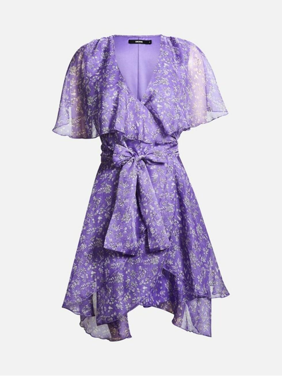 Lilla kjole fra Bik Bok |349,-| https://bikbok.com/no/p/kjoler/carla-kjole/7218248_F001