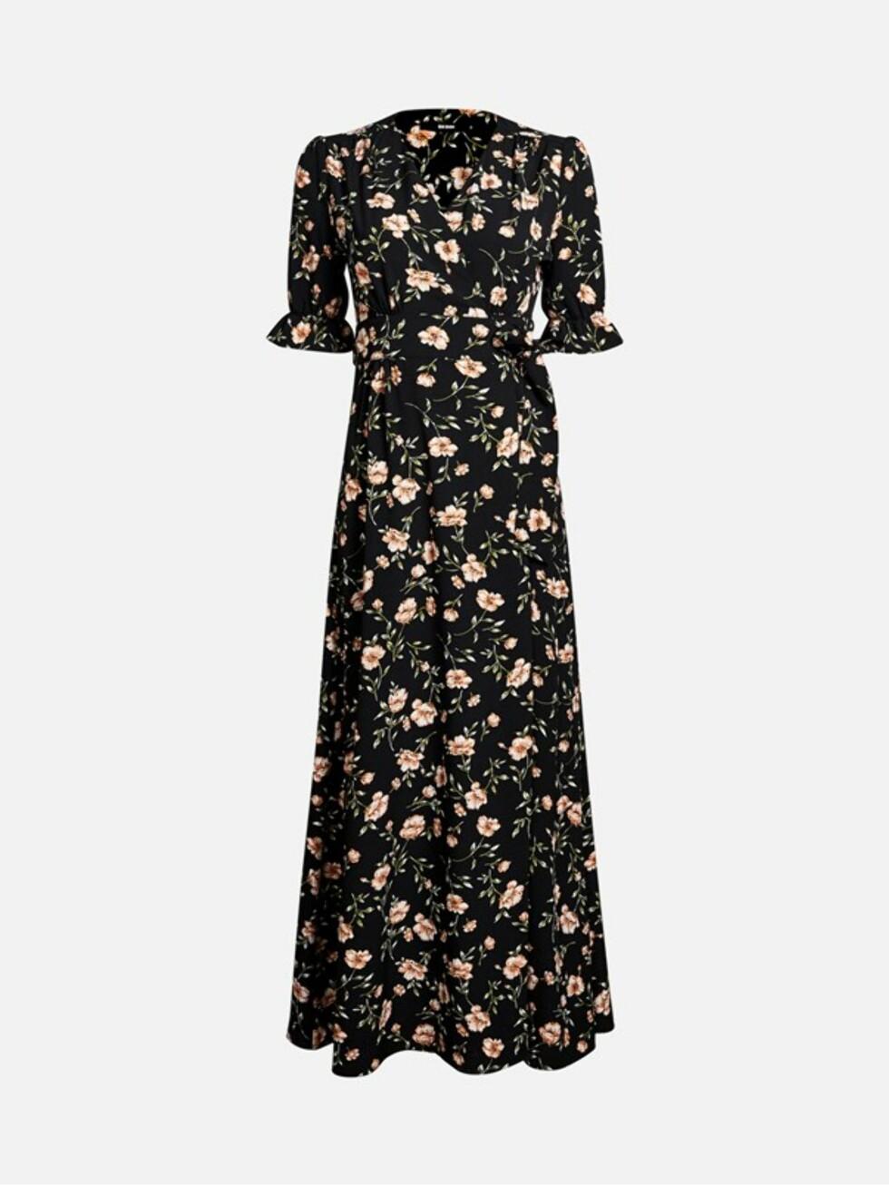 Kjole fra Bik Bok |399,-| https://bikbok.com/no/p/kjoler/cate-kjole/7217924_F001