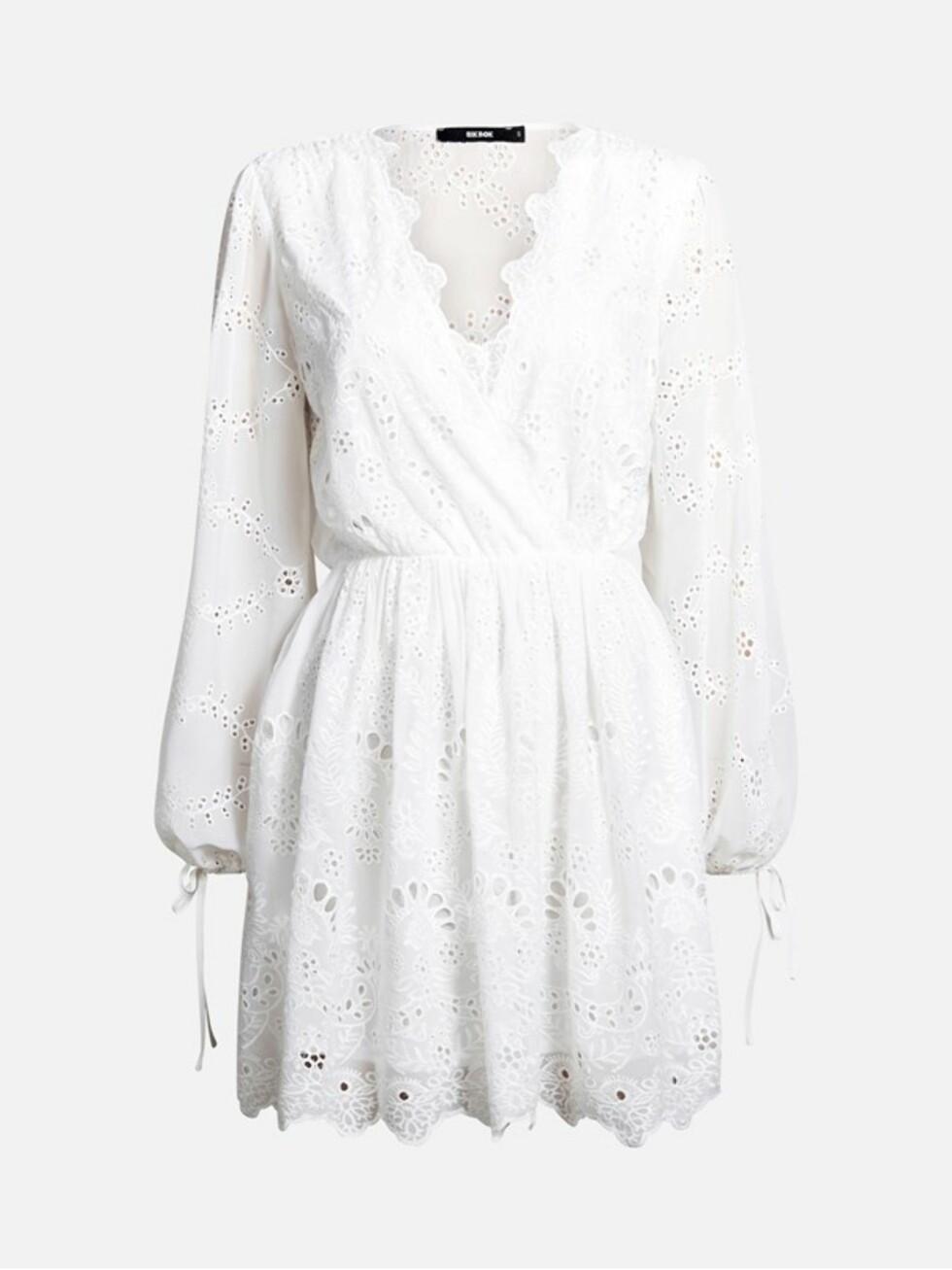 Kjole fra Bik Bok |599,-| https://bikbok.com/no/p/kjoler/marais-kjole/7218250_F900