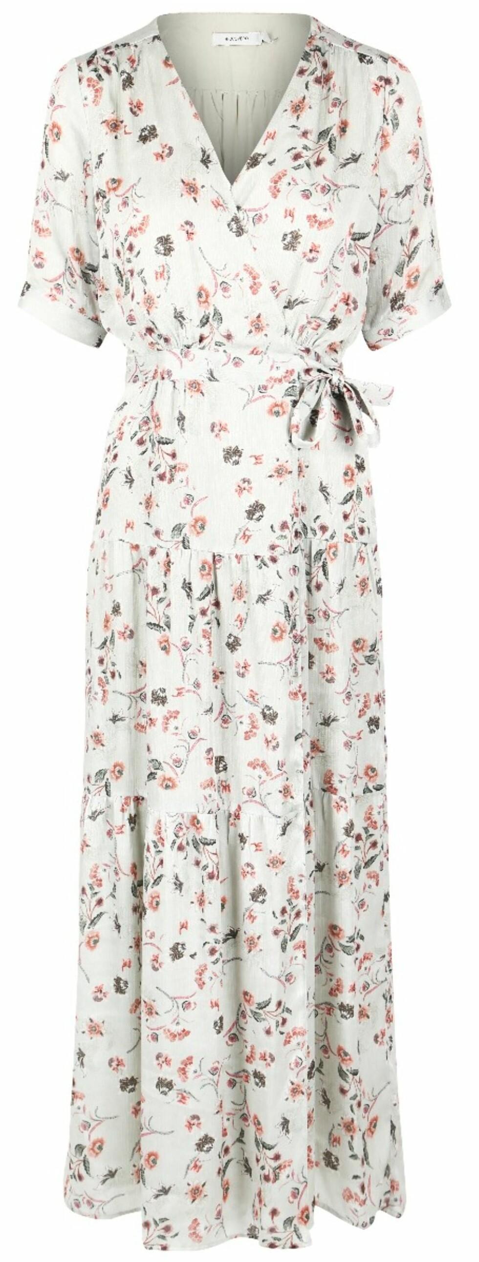 Kjole fra Riccovero |2199,-| https://www.riccovero.no/dame/kjoler/violett-dress-1