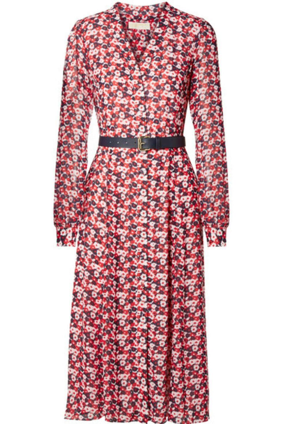 Kjole fra Michael Kors |2200,-| https://www.net-a-porter.com/no/en/product/1016264/michael_michael_kors/belted-floral-print-crepe-midi-dress